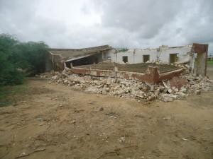 Le collège de Rosso 1 sera-t-il reconstruit ? dans Commune de Rosso classe-effondree1-300x225